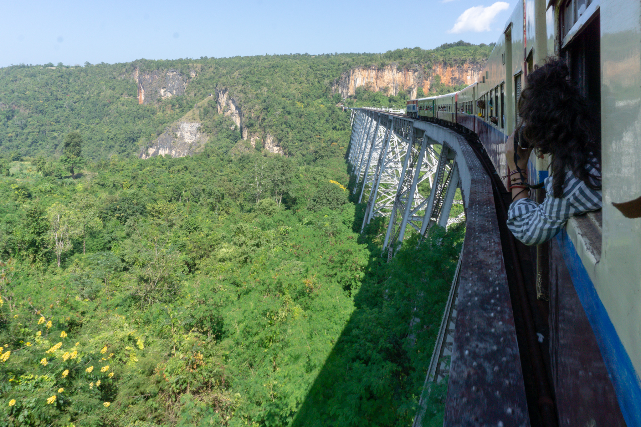 Zugbrücke auf dem Weg nach Hsipaw
