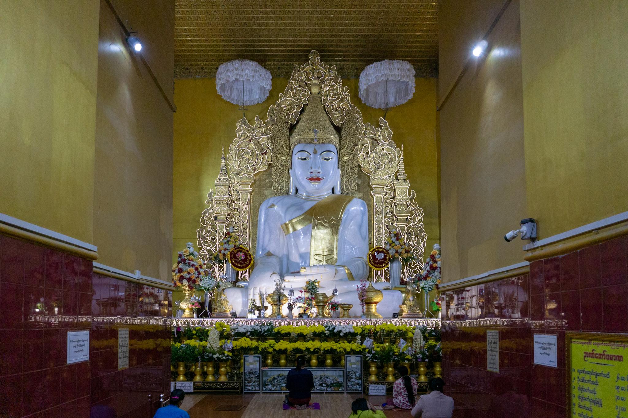Mamor-Buddah in der Kyauktawgyi-Pagode in Mandalay