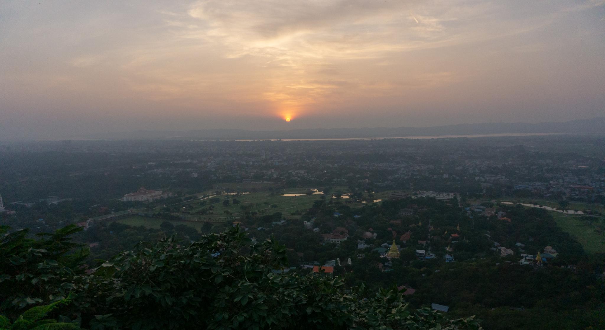 Sonnenuntergang auf dem Mandalay Hill