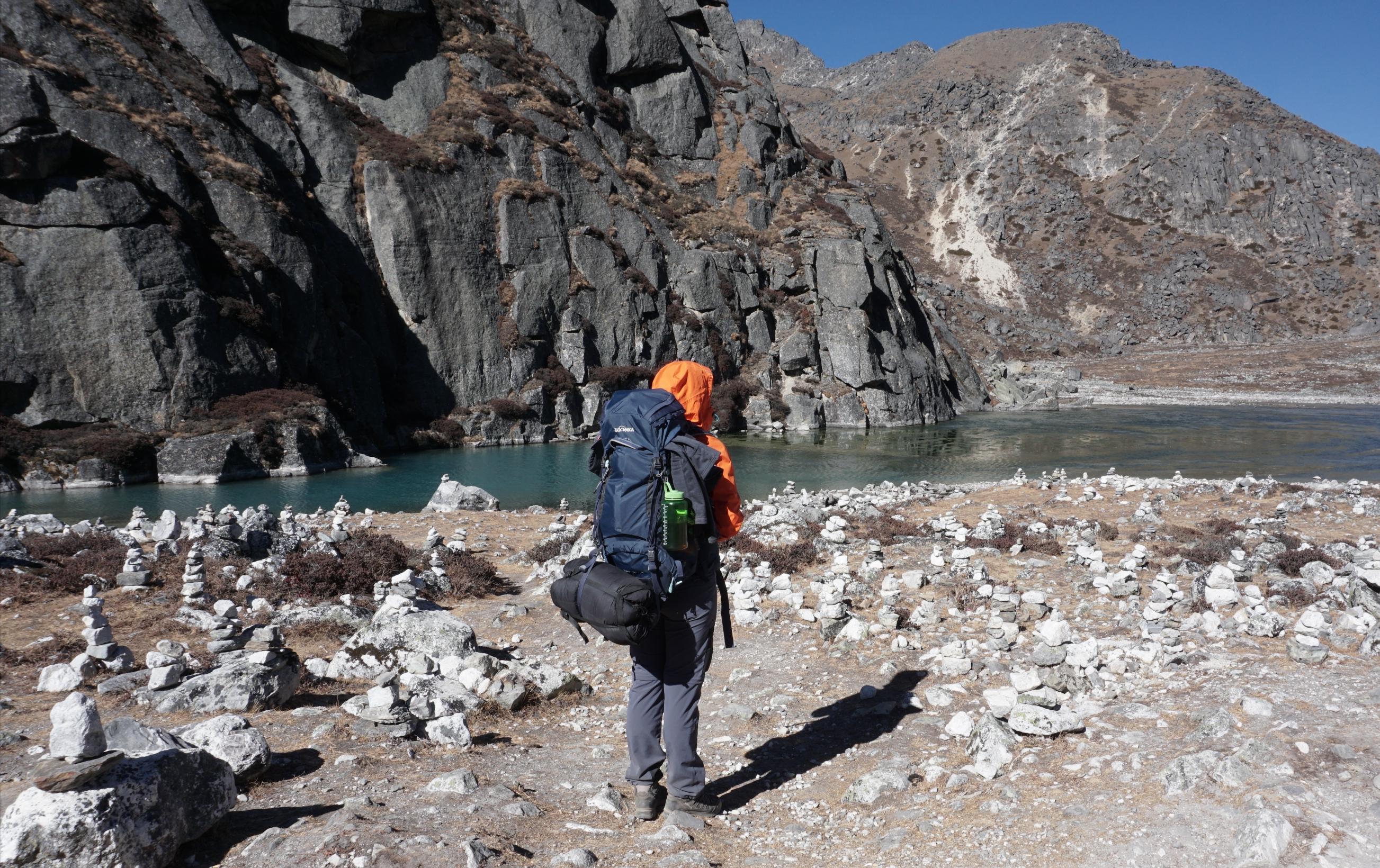 Trekking in Nepal mit Gepäck