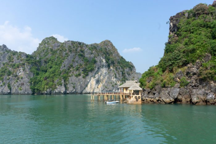 Central Backpackers Tour Insel in der Halong Bucht