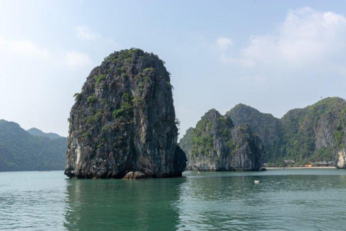 Felsen in der Halong Bucht