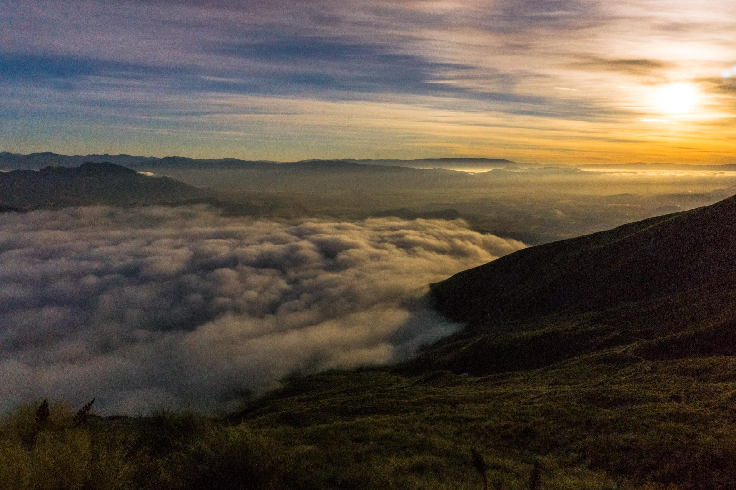 Sonnenaufgang auf dem Roys Peak in Neuseeland
