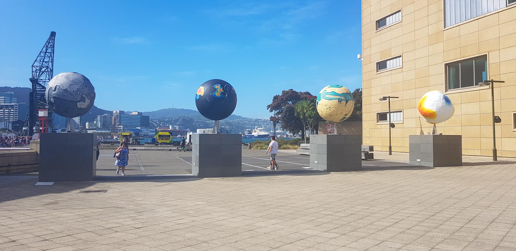 Kunst im Hafen von Wellington
