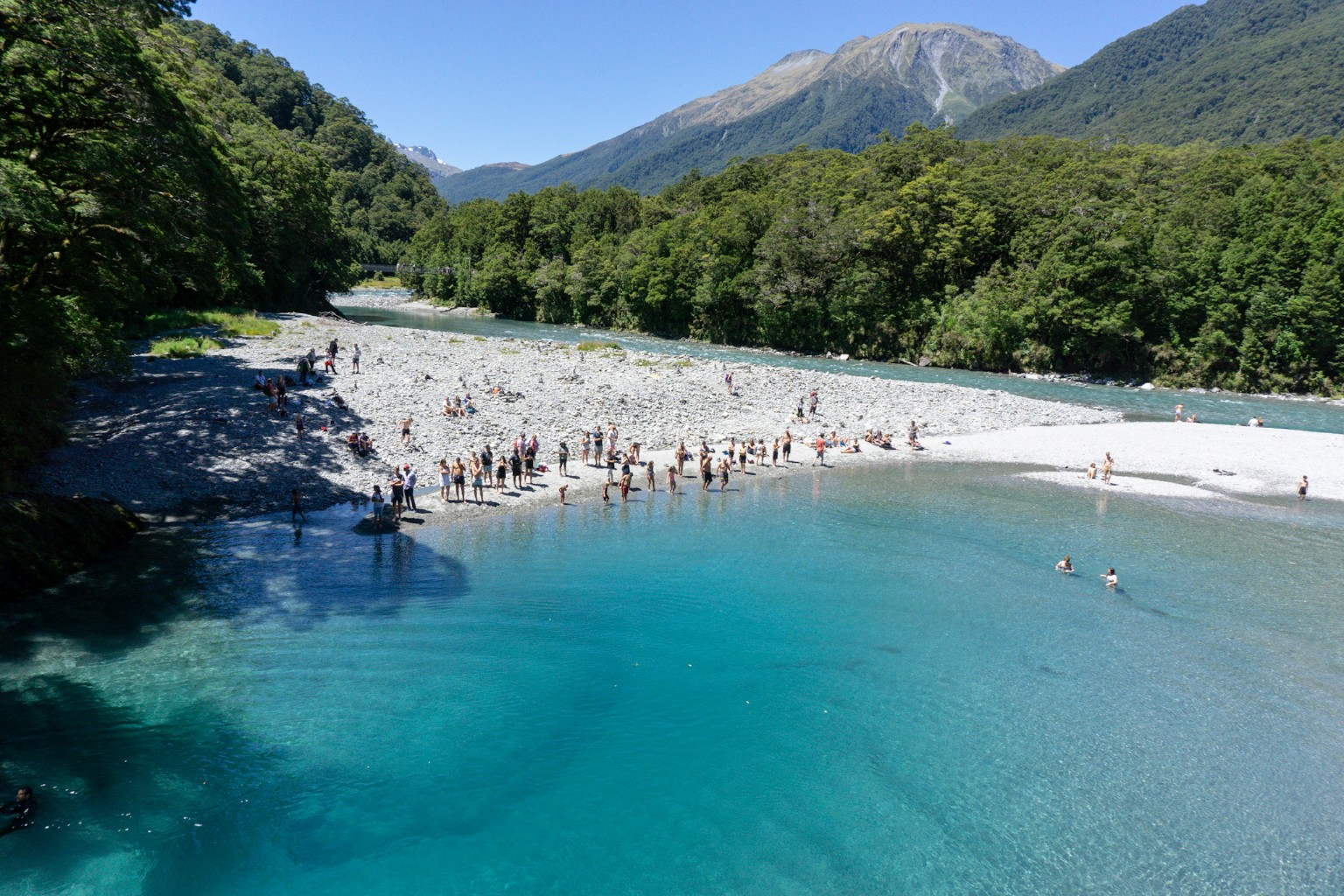 Blue Pools am Haast Pass im Sommer