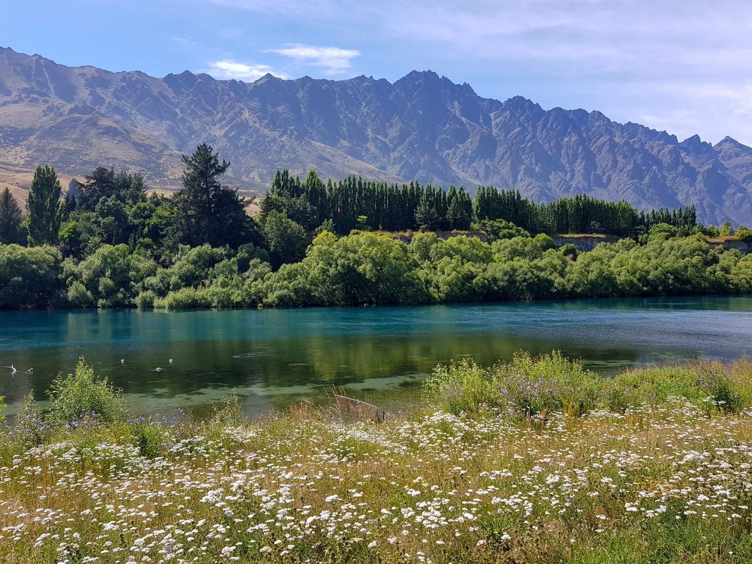 Karawau River im Sommer
