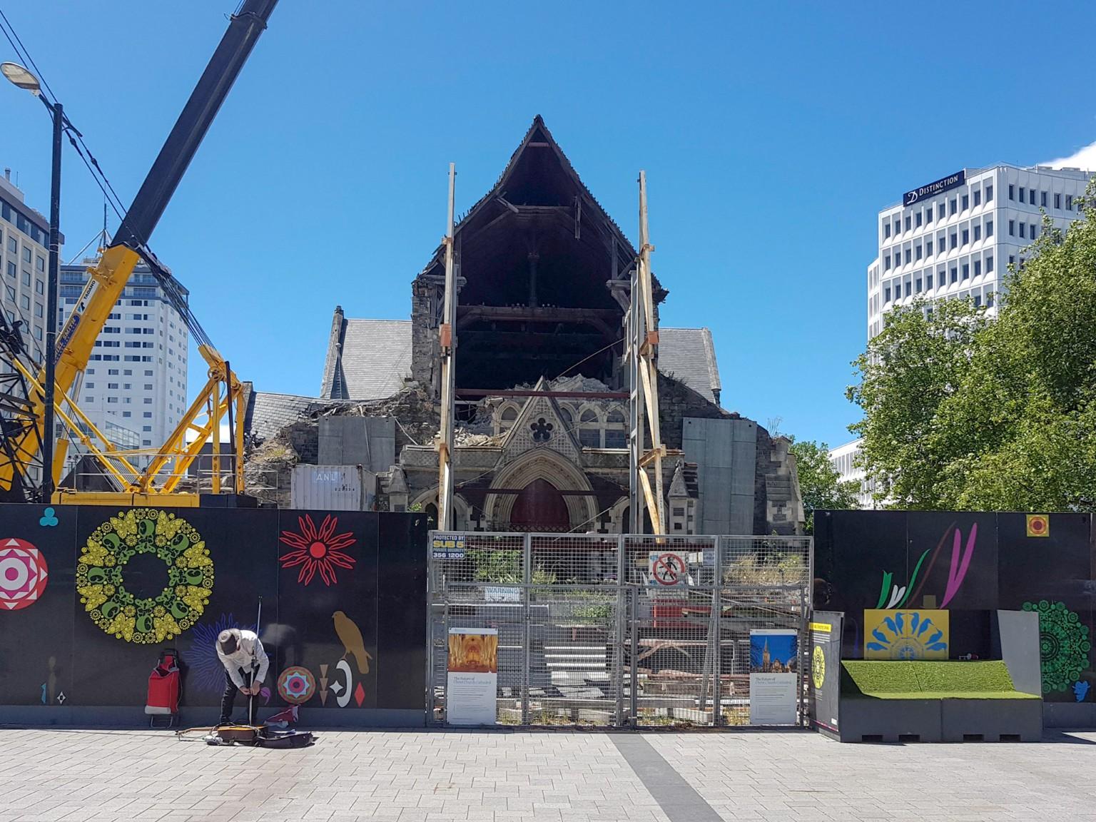 Christchurch Cathedral mit Zerstörungen vom Erdbeben 2011